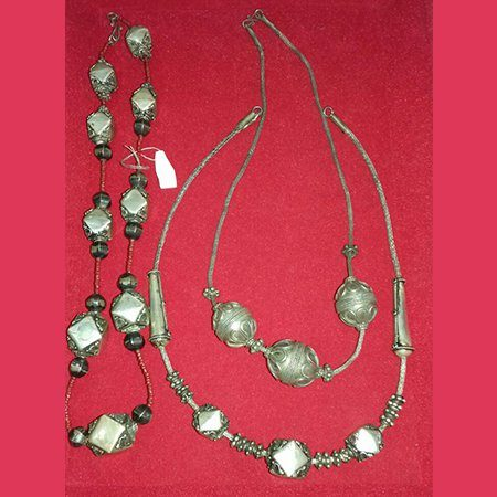 NK-005-Necklaces with Beads